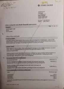 1 af 2 Vi vil naturligvis bede jyske bank forklare i retten, hvorfor jyske bank 11 maj 2009 Afkræver underskrift på denne. Vil jyske bank forklar sig Vi fik et låne tilbud 6 maj 2009 til et projekt 2. Derfor er det naturligt at vi spørger jyske bank, hvorfor banken kun 5 dage efter afkræver kunde en underskrift på en sikkerhed som hører til et andet tilbud fra 20 maj 2008. Har vi 11 maj 2008 optaget noget lån Har jyske bank ret til at afkræve denne underskrift på sikkerhed for lån der ikke findes. Jyske bank er 11 maj 2009 ikke i tivl om at tilbudet af 20 maj 2008 er udløber Og at jyske bank i nyt tilbud 6 maj 2009 kan læse, TIDLIGRE TILBUD ER BORTFALDET Dette kan Anders Dam forklare i retten når, han skal forklare hvorfor han ikke stoppede bedrageri allerede i maj 2016, da kunde klart skrev til ledelsen at der ikke fandtes noget lån 4.328.000 kr.